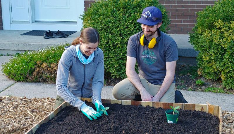 Jess and Thomas Planting